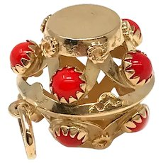 18k Italy Yellow Gold Coral Charm