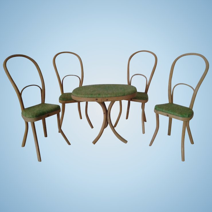 Miniature Antique Thonet Bentwood Table And Chairs For Mignonettes