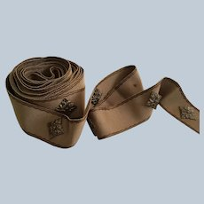 """Vintage 2"""" Wide Ribbed Ribbon Trim With 3D Attachments"""