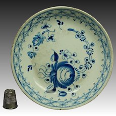18th Century Pearlware Blue And White Small Plate,  Queen's Rose Pattern Circa 1790 Georgian