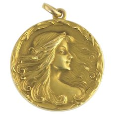 Cresarrow Antique Art Nouveau Locket in 14k Gold