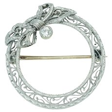 Krementz Antique Edwardian Filigree Wreath Bow Brooch in 14k White Gold and Diamond