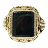 Handsome Vintage Onyx and 18k Yellow Gold Mens Ring