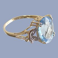 Swiss Blue Topaz Ring 3 Ct in 10Kt Gold