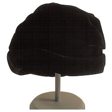 Vintage Black Velvet Cloche Style Hat Ladies
