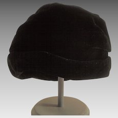 Vintage Black Velvet Cloche Style Hat Ladies