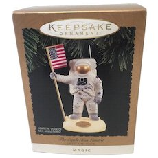 Vintage Hallmark THE EAGLE HAS LANDED Lighted Voice 1994 Christmas Ornament in  Original Box