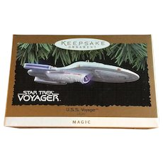 Vintage Star Trek Voyager Magic Lighted Christmas Ornament 1996 in Box