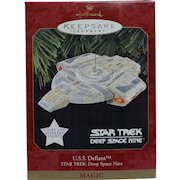 Vintage Star Trek Deep Space Nine DS9 USS Defiant 1997  Hallmark