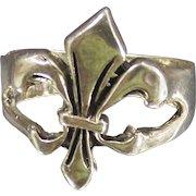 Vintage Sterling Fleur De' Lis Ring