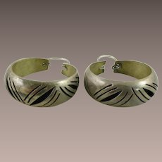 Taxco Mexico 29.3mm Diameter Round Hoop Earrings