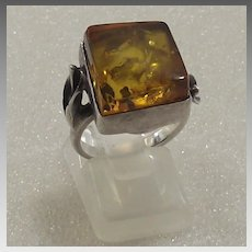 Fantastic Sterling and Amber Ring With Calla Lilies on Shank