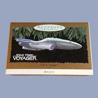 Hallmark Star Trek Voyager Magic Lighted Christmas Ornament 1996