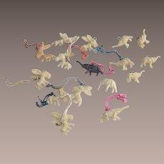 Cracker Jacks Toys Sixteen Pieces Eight Elephants – Eight Donkeys