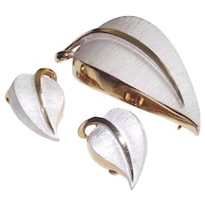 Demi Parure Brooch and Earrings White and Gold Leaves