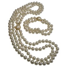 Lovely Double Strand Glass Pearls Necklace and Matching Bracelet