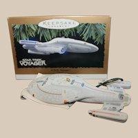 Hallmark Star Trek U.S.S. Voyager Light  1996