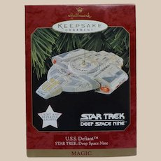 Hallmark Star Trek Deep Space Nine U.S.S Defiant 1997