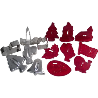 Mixed Lot of Vintage Cookie Cutters Red by: Loma