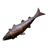 Articulated 800 Silver Fish Shaped Container
