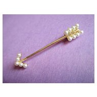 Beautiful Arrow Brooch - Pearl & 14K Gold