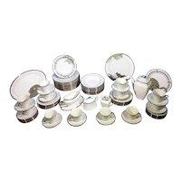 Lenox Solitaire Platinum Ivory Dinnerware Set for 12 + Serving Pieces