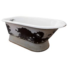 Unusual Antique Pedestal Bath Tub, 5'