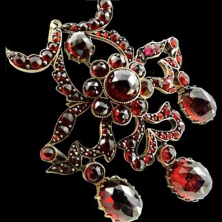 Exceptional Bohemian Garnets Victorian Pendant-Brooch -Girondelle Design