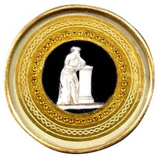 Button--Very Fine 18th C. Georgian Eglomise en Grisaille Scene Under Glass