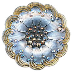 Button--Late 19th C. Scallop Border Lacy Glass in Silver and Gold