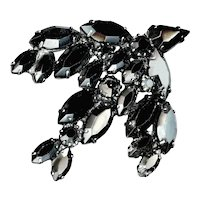 Brooch--Large No-name Faceted Glass Black Bird in Flight