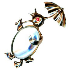 Brooch--Vintage Lucite & Gold-washed Sterling Jelly Belly Penguin by Norma