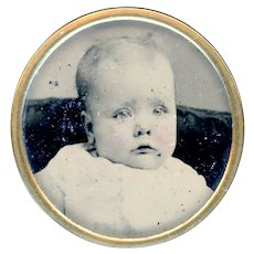 Button--Early 20th C. Photograph of Baby Under Glass in Brass