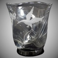 Rare Vintage Signed Lindstrand (Swedish) Etched Glass Vessel