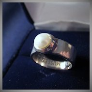 Vintage Signed PARIS MUSEES Sterling Silver & Genuine Pearl Ring