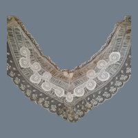 Antique Lace Collar or Inset Piece