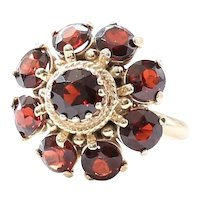 Lady's Vintage 14K Garnet Ring