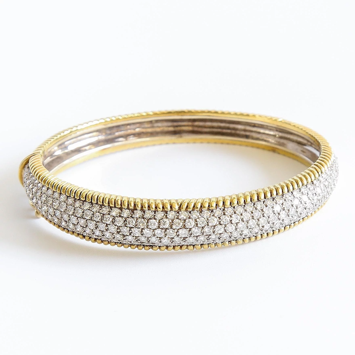 cd54183b0ec2b Lady's Vintage 18K 6 Carat Diamond Bangle Bracelet