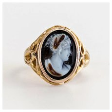Lady's 18K Antique Circa 1890 Hard Stone Cameo Ring