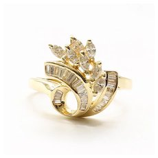 Lady's Vintage 14K Diamond Ring