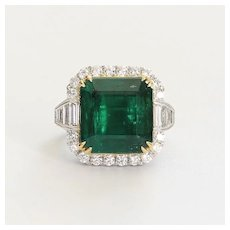 Museum Quality Ladys Vintage Custom 18K Emerald & Diamond Ring