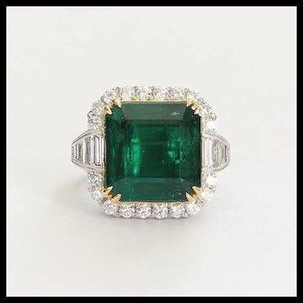 Museum Quality Ladys Vintage Custom 18K Emerald & Diamond Ring
