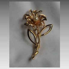 Vintage Flower Brooch with Simulated Pearl