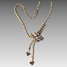 Beautiful vintage Milk Glass Necklace 15 inches.