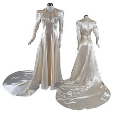 Gorgeous 1940s Candlelight Satin Trained Wedding Gown - Beaded S