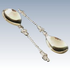 Pair of Cased Silver Apostle Serving Spoons, London 1908, William Hutton & Sons