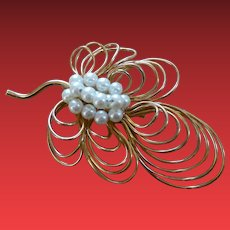 Vintage Signed Napier Large Pin Brooch with Faux Pearls