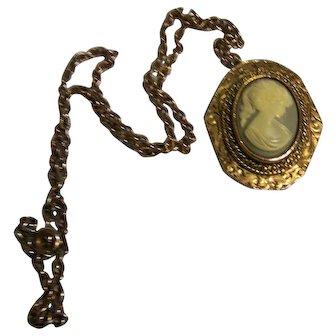 Vintage PERI Cameo Pendant Necklace/Brooch