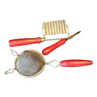 Kitchen tools set of 3 Red handled Sieve peeler slicer