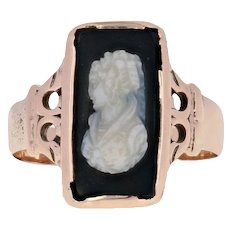 Victorian Hardstone Banded Agate Carved Cameo Ring - 10k Yellow Gold Antique